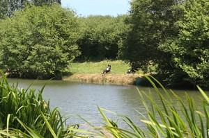 peche en étang privé aux gites de garreau
